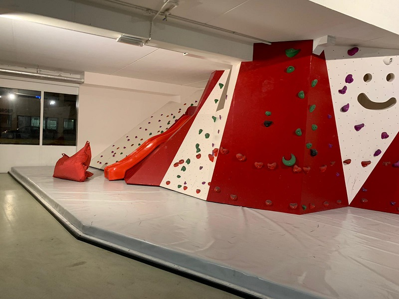 Climbing zone for kids