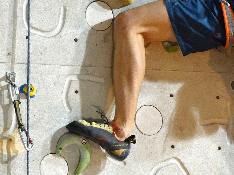 How should climbing shoes really fit