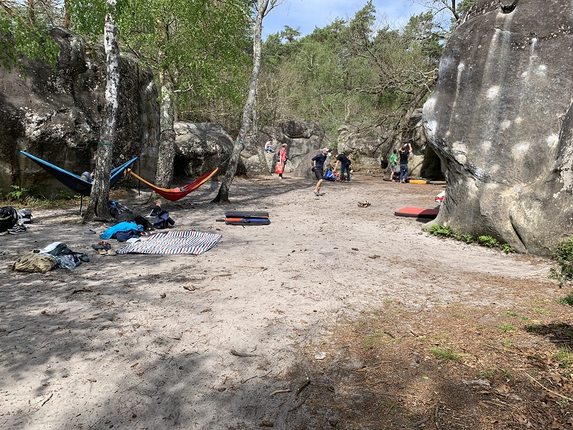 Sleeping in a Hammock between the boulders of Fontainebleau