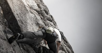 Free climbing vs free soloing: what is the difference